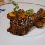 ヴェル・ボワ - 北海道産羊肉のロースト、エストラゴンソース