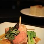 イルピノーロ スカイテラス - 子羊の背肉のロースト バジル風味 (2800) なかなかです