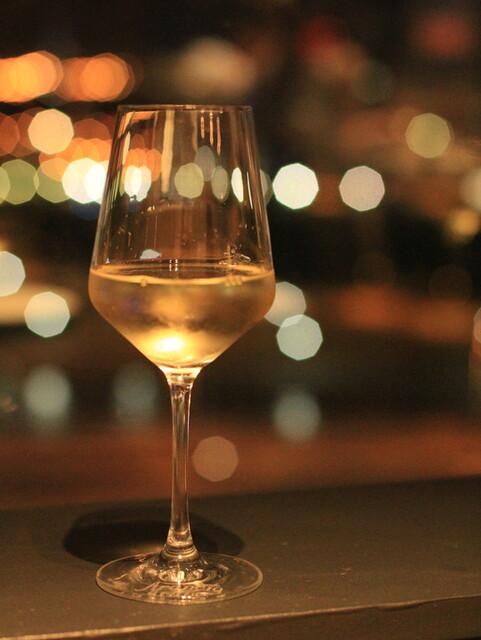 IL PINOLO SKY TERRACE 横浜 - 南アフリカの白をボトルで