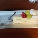 リグノーサカフェ - 贅沢なメロンの量