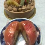 シュクルボワ - 生チョコデコレーションケーキ、ピーチメルバ