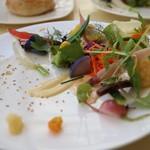 54807187 - 美瑛の畑 20種類の野菜を使った取り合わせ