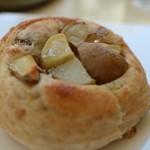 54807190 - ジャガイモのパン