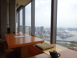 響 カレッタ汐留店  - お座敷もあり。
