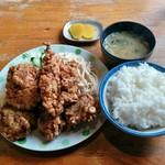 亜珈里 - 料理写真:ザンギ定食(750円)