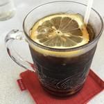 8&8 - コーラにレモンの輪切り(^^)