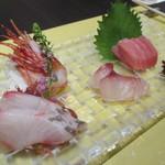 創作和食・銀座 KUSHIMA - 生マグロ・ボタン海老・カンパチ・イサキのお造り