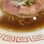 中華そば 向日葵 - 大山鶏の無化調スープ