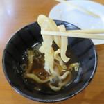 あらきうどん - 太いだけの麺。
