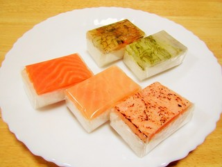ヒロ助 - 一口押し寿司5種類。
