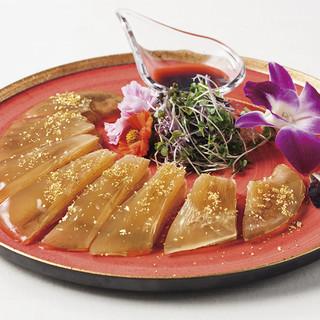 気仙沼産吉切鮫の尾びれを使用したお料理の数々。