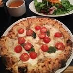 54825777 - GMC Pizza Lunch(アンチョビとフレッシュトマト)