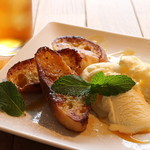 Shanties - フレンチトーストとアイスクリーム