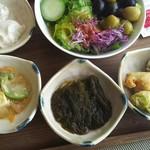 54826669 - 朝食:沖縄っぽい食材。もずく、ジーマミー豆腐、ゴーヤ、ヘチマ