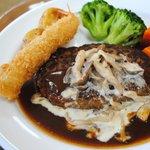 サファリレストラン - 料理写真:ハンバーグと海老フライ850円