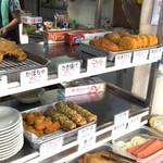 優作 - 練り物やお揚げに寿司などもあります。
