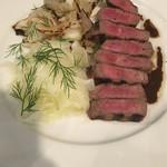 54832118 - 熟成肉。旨し美し。