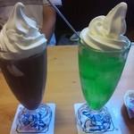 コメダ珈琲店 - ドリンク写真:アイスココアとクリームソーダ