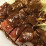 ふく屋 - ポークソテー定食 ¥1,800  ソースが意外に洋食屋風のデミグラスソースで、子供も好きそうな味。