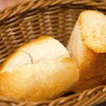 クニオミ - きめ細かい、美味い、美味すぎるパン お代わりもいただけました