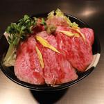 ステーキハウス近江 - ローストビーフ丼