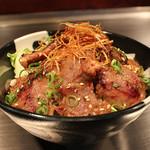ステーキハウス近江 - こだわり焼き肉丼