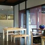 蕎麦処鏑屋響 - テーブル席側2