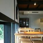 蕎麦処鏑屋響 - テーブル席