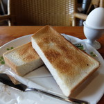 ブラジルコーヒー商会 JR宇都宮駅前店 - モーニングのトーストセット