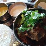 Spice&Dining KALA - パイナップルのカーラン、カード、マトンコランブ