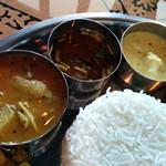 Spice&Dining KALA - サンバル、ラッサム、バナナのクートゥ