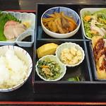 味矧 - 主菜を2種類選べる欲張り定食1080円