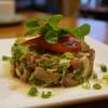 アヒル食堂 - 料理写真:岩手鴨とアボカドのタルタル ゴマ油風味