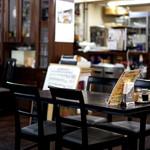 レストラン サム - 付近も静かなので店内も落ち着いてます。