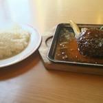 ジョイフル - 料理写真:ライス大盛とペッパーハンバーグ(グリルランチ)