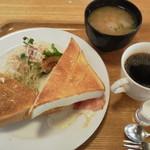 ラ・ルミエール - 料理写真:Aモーニング(トースト)税込580円
