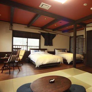 お泊りのお部屋は全室海に面した造りです