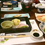 東山 - ごはん、お味噌汁はおかわり自由でした。