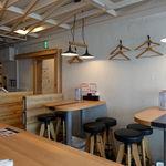 鶏×バル HINAMARU - 店内