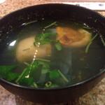 回転鮨 清次郎 - ホヤとワカメのお吸い物 ホヤはいい出汁をだすようです。