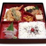 潤 - サービス弁当<和風>昼:670円 夜:700円