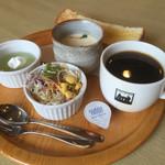 アロマオブコナ - ブレンドコーヒー370円とモーニング