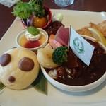上野 精養軒 カフェラン ランドーレ - 友人のお嬢さんが食べたプレート、子供向けかと想ったら結構ボリューミィでした