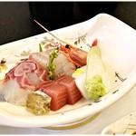 水明荘 - 料理写真:季節のお刺身。やっぱ宴会ゆーたらこれよこれ!