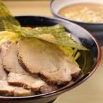 ラーメン 鶴見家 - 濃厚豚骨爆盛りつけ麺