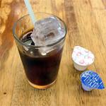九州ラーメン 桜島 - サービスのアイスコーヒー