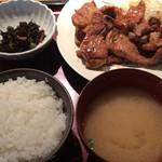 やまや - じっくりたれ漬け豚しょうが焼き(国産豚使用)定食 1000円