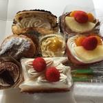 日髙屋製菓 - 料理写真:お誕生日おめでとう♪