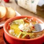 プラチナフィッシュ ベジバル - 海老・カマンベールチーズ・アボカドのアヒージョ