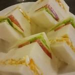 ティールーム 花 - タマゴと野菜